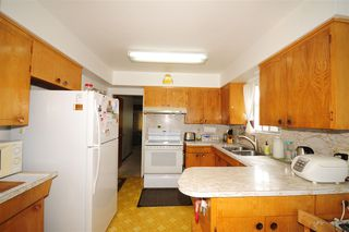 Photo 4: 2815 E 19TH Avenue in Vancouver: Renfrew Heights House for sale (Vancouver East)  : MLS®# R2507820