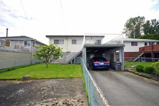 Photo 2: 2815 E 19TH Avenue in Vancouver: Renfrew Heights House for sale (Vancouver East)  : MLS®# R2507820
