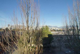 """Photo 4: 501 2438 HEATHER Street in Vancouver: Fairview VW Condo for sale in """"GRAND HEATHER GARDENS"""" (Vancouver West)  : MLS®# R2520689"""