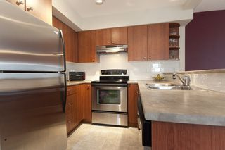 "Photo 9: 8 7503 18TH Street in Burnaby: Edmonds BE Townhouse for sale in ""SOUTHBOROUGH"" (Burnaby East)  : MLS®# V795972"