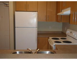 """Photo 2: # 111 3660 VANNESS AV in Vancouver: Collingwood VE Condo for sale in """"THE CIRCA"""" (Vancouver East)  : MLS®# V799588"""