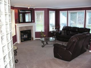 Photo 2: 104 2585 Ware Street in Abbotsford: Condo for sale