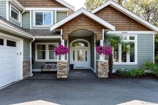 Photo 3: 4644 Falaise Drive in VICTORIA: SE Broadmead Single Family Detached for sale (Saanich East)  : MLS®# 414251