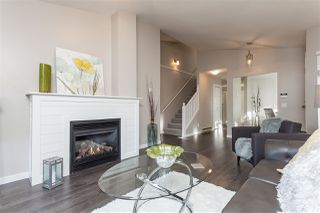 "Photo 1: 37 8737 212 Street in Langley: Walnut Grove Townhouse for sale in ""Chartwell Green"" : MLS®# R2421295"
