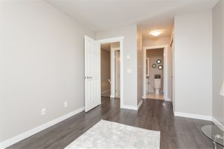 "Photo 11: 37 8737 212 Street in Langley: Walnut Grove Townhouse for sale in ""Chartwell Green"" : MLS®# R2421295"