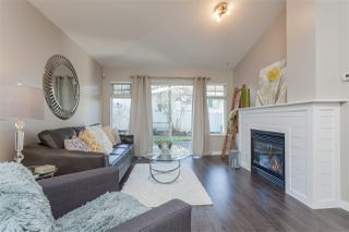 "Photo 4: 37 8737 212 Street in Langley: Walnut Grove Townhouse for sale in ""Chartwell Green"" : MLS®# R2421295"