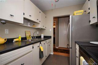 Photo 10: 215 1680 Poplar Ave in VICTORIA: SE Mt Tolmie Condo for sale (Saanich East)  : MLS®# 830693