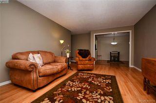 Photo 18: 215 1680 Poplar Ave in VICTORIA: SE Mt Tolmie Condo for sale (Saanich East)  : MLS®# 830693