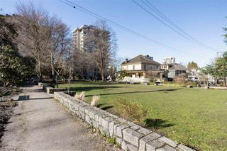 """Photo 15: 808 1720 BARCLAY Street in Vancouver: West End VW Condo for sale in """"LANCASTER GATE"""" (Vancouver West)  : MLS®# R2472374"""