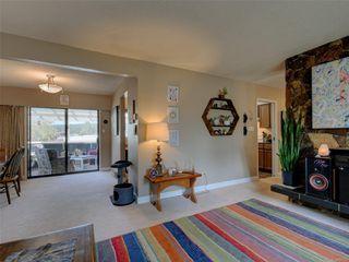 Photo 5: 4294 Torquay Dr in : SE Gordon Head House for sale (Saanich East)  : MLS®# 855333