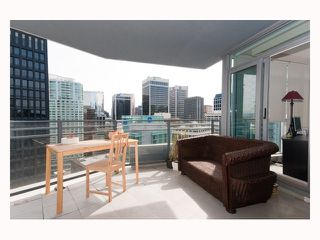 "Photo 3: 2804 - 1205 W. Hastings Street in Vancouver: Coal Harbour Condo for sale in ""CIELO"" (Vancouver West)  : MLS®# V817933"