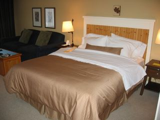 "Photo 3: # 454 4090 WHISTLER WY, in Whistler BC: Whistler Condo  in ""WESTIN RESORT & SPA"" : MLS®# V876620"