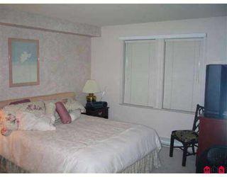 "Photo 4: 111 15555 16TH AV in White Rock: King George Corridor Condo for sale in ""SANDRINGHAM"" (South Surrey White Rock)  : MLS®# F2503053"