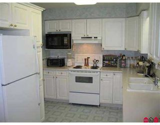 "Photo 7: 111 15555 16TH AV in White Rock: King George Corridor Condo for sale in ""SANDRINGHAM"" (South Surrey White Rock)  : MLS®# F2503053"