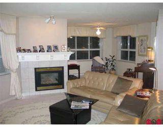"Photo 8: 111 15555 16TH AV in White Rock: King George Corridor Condo for sale in ""SANDRINGHAM"" (South Surrey White Rock)  : MLS®# F2503053"