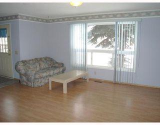 Photo 3: 95 ERIN WOODS Boulevard SE in CALGARY: Erinwoods Residential Detached Single Family for sale (Calgary)  : MLS®# C3303361