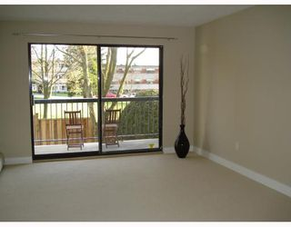 Photo 4: 205 2320 TRINITY Street in Vancouver: Hastings Condo for sale (Vancouver East)  : MLS®# V703498