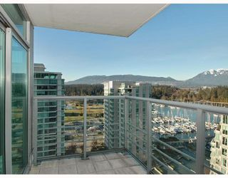 "Photo 2: 1601 1710 BAYSHORE Drive in Vancouver: Coal Harbour Condo for sale in ""BAYSHORE GARDENS"" (Vancouver West)  : MLS®# V706023"