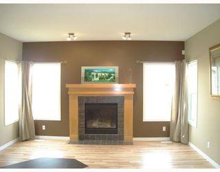 Photo 3: 1844 NEW BRIGHTON Drive SE in CALGARY: New Brighton Residential Detached Single Family for sale (Calgary)  : MLS®# C3327514