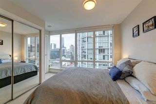 Photo 8: 1807 535 SMITHE Street in Vancouver: Downtown VW Condo for sale (Vancouver West)  : MLS®# R2404991