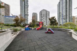 Photo 20: 1807 535 SMITHE Street in Vancouver: Downtown VW Condo for sale (Vancouver West)  : MLS®# R2404991