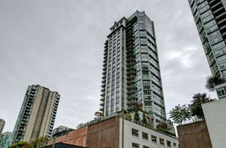 Photo 2: 1807 535 SMITHE Street in Vancouver: Downtown VW Condo for sale (Vancouver West)  : MLS®# R2404991