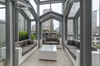 Photo 4: 1807 535 SMITHE Street in Vancouver: Downtown VW Condo for sale (Vancouver West)  : MLS®# R2404991