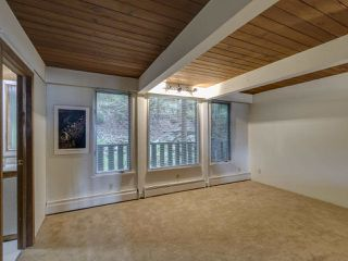 Photo 11: 340 MOUNTAIN Drive: Lions Bay House for sale (West Vancouver)  : MLS®# R2411885