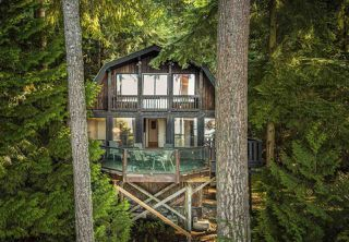 Photo 3: 340 MOUNTAIN Drive: Lions Bay House for sale (West Vancouver)  : MLS®# R2411885