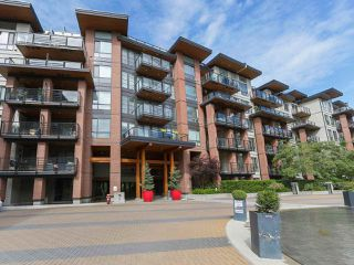 """Photo 1: 408 733 W 3RD Street in North Vancouver: Harbourside Condo for sale in """"THE SHORE"""" : MLS®# R2424919"""