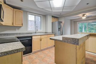 Photo 3: 37 Goldring Drive in Whitby: Lynde Creek House (2-Storey) for sale : MLS®# E4672338