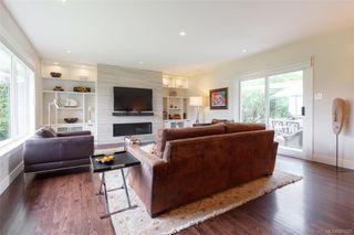 Photo 3: 2706 Dorset Rd in Oak Bay: OB Uplands House for sale : MLS®# 841020