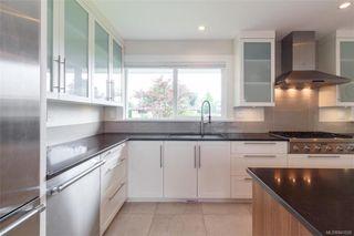 Photo 11: 2706 Dorset Rd in Oak Bay: OB Uplands House for sale : MLS®# 841020