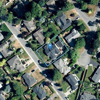 Photo 35: 2706 Dorset Rd in Oak Bay: OB Uplands House for sale : MLS®# 841020