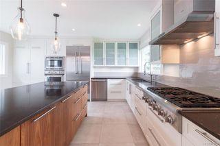 Photo 10: 2706 Dorset Rd in Oak Bay: OB Uplands House for sale : MLS®# 841020