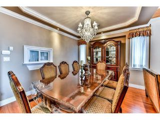 Photo 7: 12673 90A Avenue in Surrey: Queen Mary Park Surrey House for sale : MLS®# R2509205