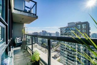 Photo 3: 2806 909 MAINLAND STREET in Vancouver: Yaletown Condo for sale (Vancouver West)  : MLS®# R2507980