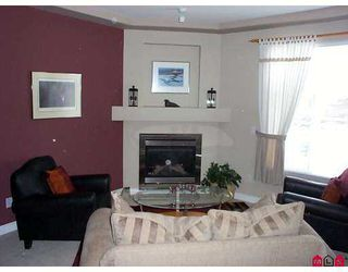 """Photo 2: 7 16760 61ST Avenue in Surrey: Cloverdale BC Townhouse for sale in """"Harvest Landing"""" (Cloverdale)  : MLS®# F2708278"""