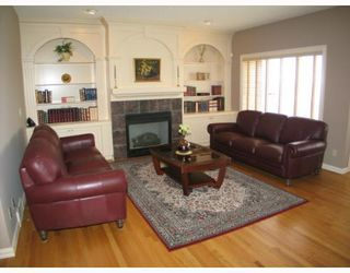 Photo 5: 350 Patterson Boulevard SW in CALGARY: Prominence Patterson Residential Detached Single Family for sale (Calgary)  : MLS®# C3262111
