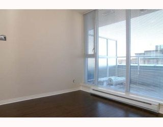 """Photo 5: 806 550 TAYLOR Street in Vancouver: Downtown VW Condo for sale in """"TAYLOR"""" (Vancouver West)  : MLS®# V648677"""