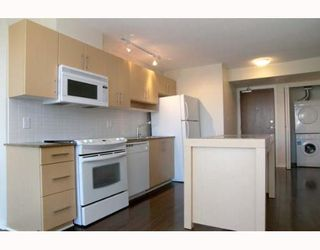 """Photo 4: 806 550 TAYLOR Street in Vancouver: Downtown VW Condo for sale in """"TAYLOR"""" (Vancouver West)  : MLS®# V648677"""