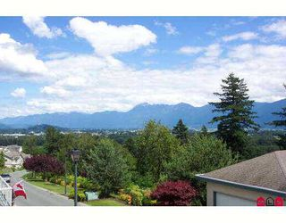 "Photo 2: 10 8590 SUNRISE Drive in Chilliwack: Chilliwack Mountain Townhouse for sale in ""MAPLE HILLS"" : MLS®# H2702548"