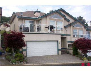"Photo 1: 10 8590 SUNRISE Drive in Chilliwack: Chilliwack Mountain Townhouse for sale in ""MAPLE HILLS"" : MLS®# H2702548"
