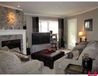 "Photo 7: # 112 12125 75A AV in Surrey: West Newton Condo for sale in ""STRAWBERRY HILLS ESTATE"" : MLS®# F2800865"