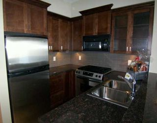 """Photo 2: 7388 MACPHERSON Ave in Burnaby: Metrotown Townhouse for sale in """"ACACIA GARDENS"""" (Burnaby South)  : MLS®# V617317"""