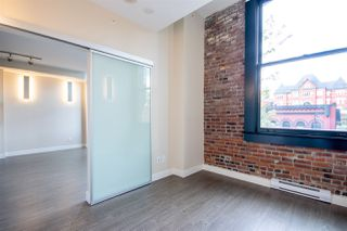 """Photo 3: 409 668 COLUMBIA Street in New Westminster: Quay Condo for sale in """"Trapp + Holbrook"""" : MLS®# R2411789"""