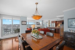 """Photo 7: 2002 1199 MARINASIDE Crescent in Vancouver: Yaletown Condo for sale in """"The Aquarius"""" (Vancouver West)  : MLS®# R2429674"""