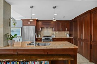 """Photo 11: 2002 1199 MARINASIDE Crescent in Vancouver: Yaletown Condo for sale in """"The Aquarius"""" (Vancouver West)  : MLS®# R2429674"""