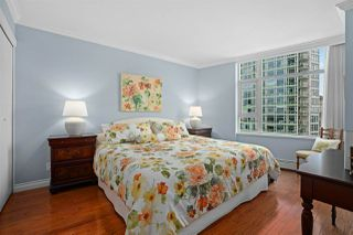 """Photo 17: 2002 1199 MARINASIDE Crescent in Vancouver: Yaletown Condo for sale in """"The Aquarius"""" (Vancouver West)  : MLS®# R2429674"""