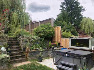 Photo 1: 32643 BOBCAT Drive in Mission: Mission BC House 1/2 Duplex for sale : MLS®# R2460098